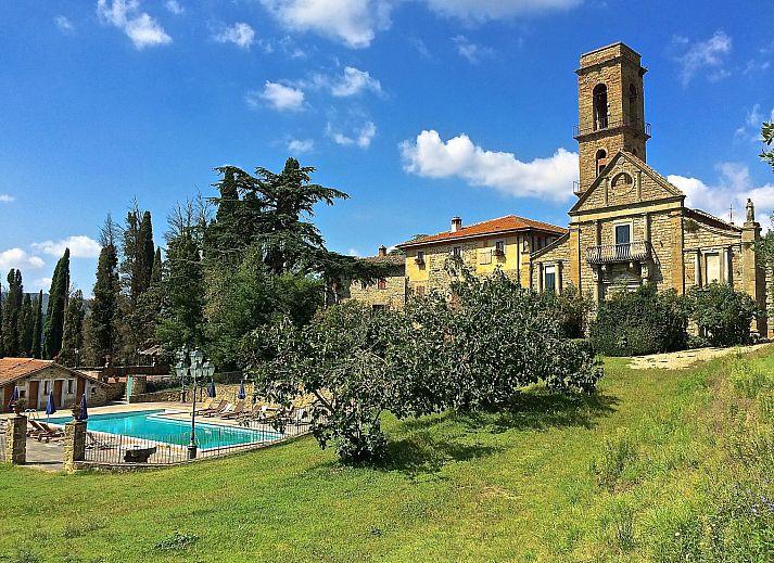 ferienhaus il castello del cardinale ciggiano toskana elba italien. Black Bedroom Furniture Sets. Home Design Ideas